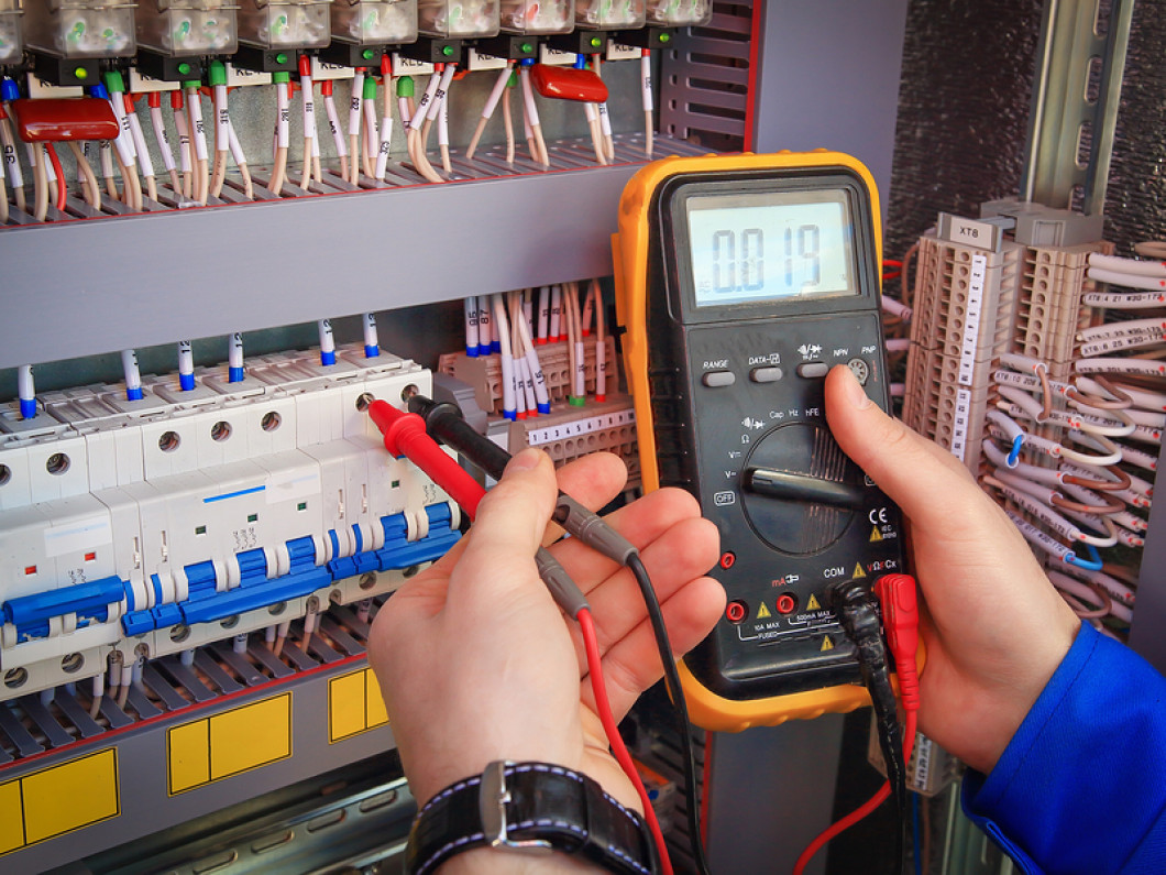 Get Superior Commercial and Industrial Electrical Services Right Away